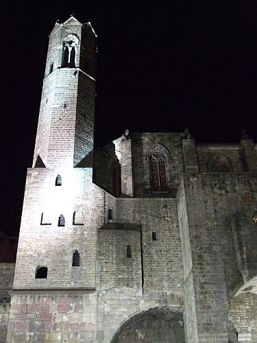 The tower of the cloister of Santa Eulàlia de Barcelona by night