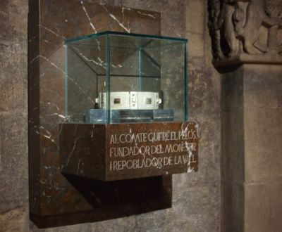 Memorial to Count Guifré the Hairy in the abbey church of Sant Joan de les Abadesses