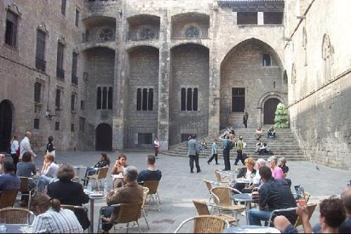 Courtyard of the Palau Comtal de Barcelona, now the Plaça del Rei, as it stands today