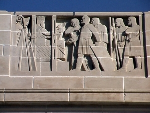 Depiction of King Ethelbert of Kent presenting his law to his subjects, by Lee Lawrie, on the South Façade of the Nebraska State Capitol