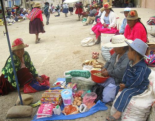 Another part of the Tapacarí barter market, photo by Emma Felber