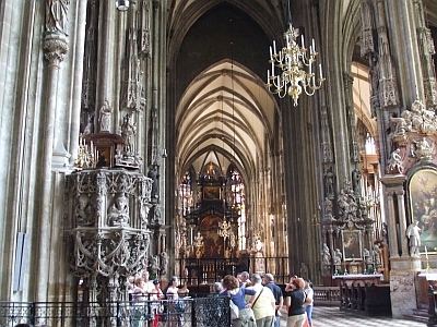 Interior view from the end of the nave of the Stephansdom, Vienna