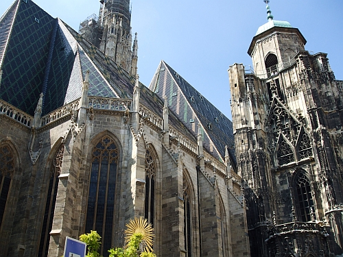 Side view of the Stephansdom, showing the chancel and the north tower, south tower in the background