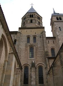 Exterior view of the transept of the abbey church of St-Pierre de Cluny, from Wikimedia Commons