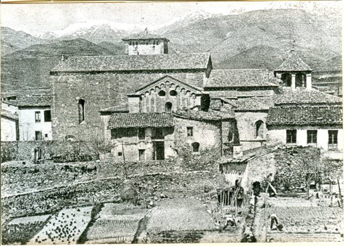 Sant Joan de les Abadesses surrounded by gardens, date unknown
