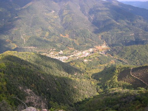 View down the Vall d'Osor, viewed from the source of the river of the same name, from the Catalan Wikipedia