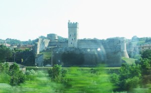 The ruined fort at Castellina Scalo seen from the railway