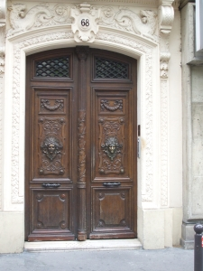 Doors to a building on the Rue du Temple des Filles, Paris