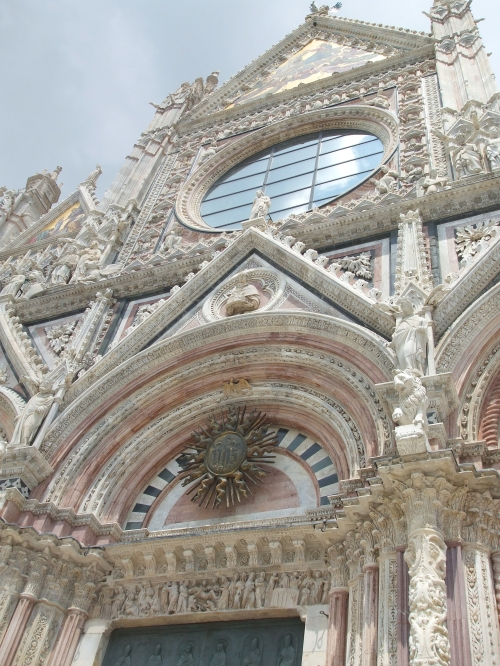 East portal and rose window of Siena Cathedral