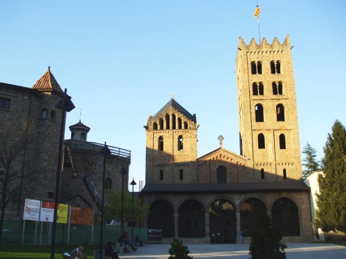 West front of Santa Maria de Ripoll in evening sunshine