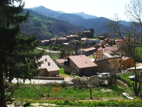 The village of Vallfogona del Ripollès, seen from the road above it