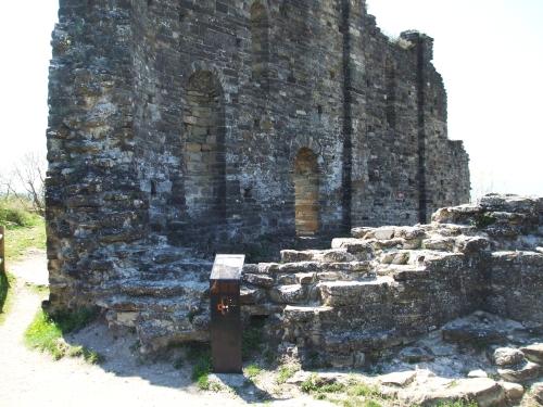 Ruins of the east end and apse of Sant Pere de Roda, l'Esquerda