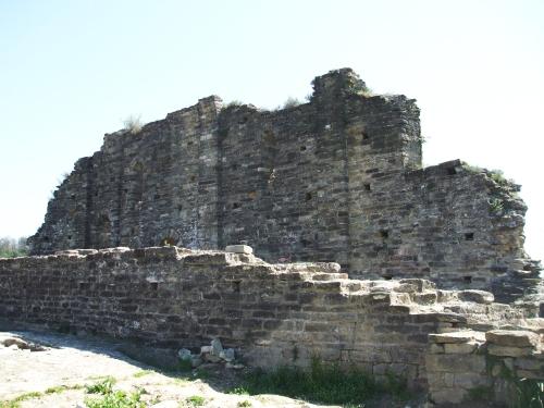 Ruins of Sant Pere de Roda, l'Esquerda