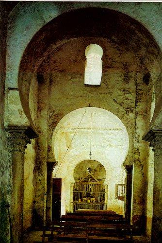 Horseshoe arches in the Leonese church of Santiago de Peñalba