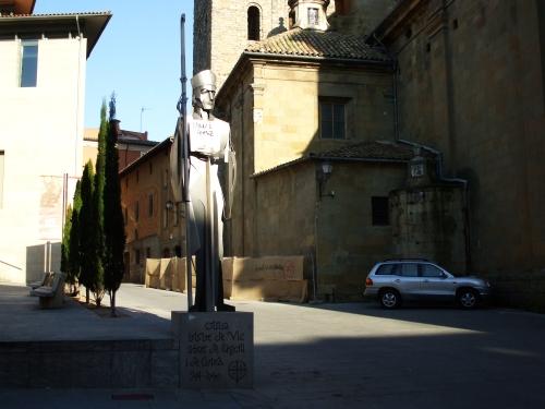 Statue of Bishop Oliba and separatist graffito in the Plaça de la Catedral, Vic