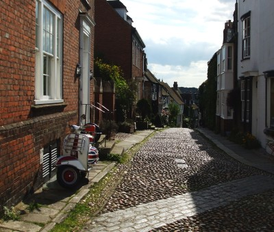 A street in Rye near the top of the town
