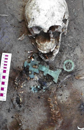 A burial with brooches from West Heslerton, East Yorkshire