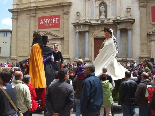 Gegants dacning in the Plaça de la Catedral de Vic