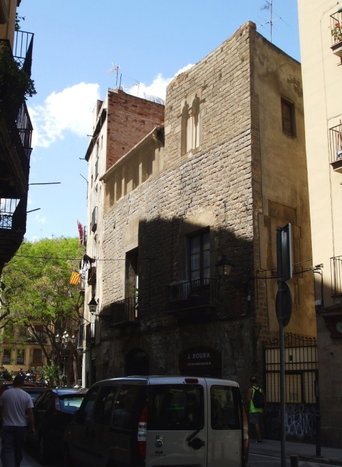 Romanesque town-house on Carrer de les Basses de Sant Pere, Barcelona