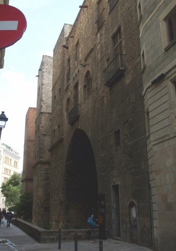 Roman city walls with later fixtures in Barcelona