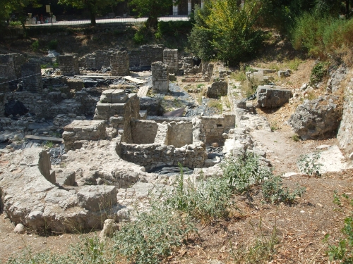 The northern apsidial chapel of the supposedly tenth-century chapel at Nice and its foundations