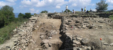 The newly-discovered wall of l'Esquerda exposed in the 2012 excavations