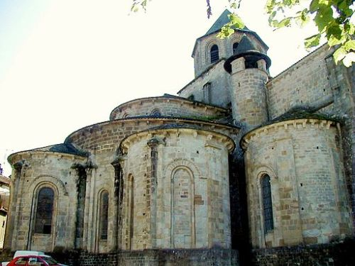 Apses and chapels of St-Pierre de Beaulieu en Limousin