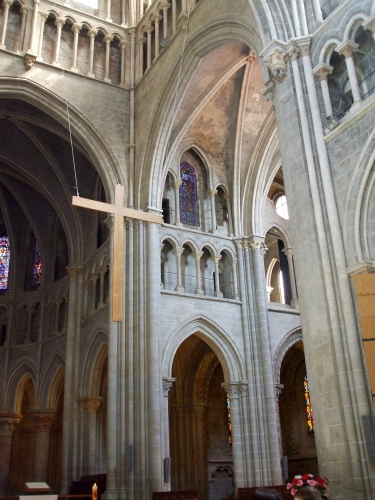 A cross hanging in the crossing at Notre-Dame de Lausanne