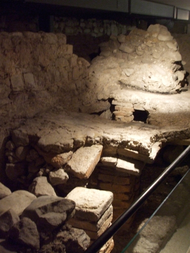 Hypocausts between the baptisteries and southern cathedral remains beneath Saint-Pierre de Genève