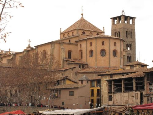 Cathedral of Sant Pere de vic seen from the Riu Gurri