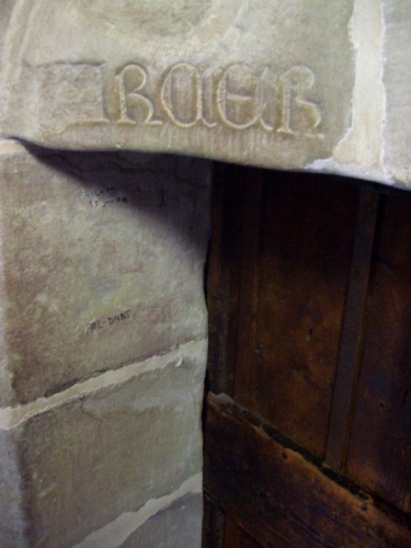 Inscription above a doorway in the stairs up the tower of Geneva Cathedral