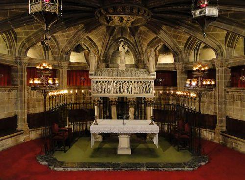 Crypt of Saint Eulalie in cathedral of Santes Creu i Eul�lia de Barcelona