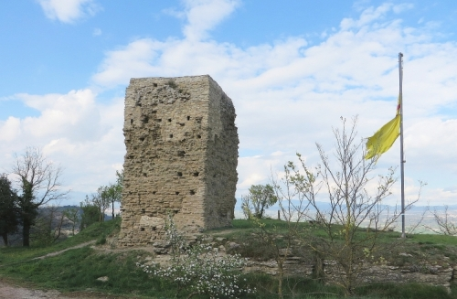 East face of the Castell de Tona