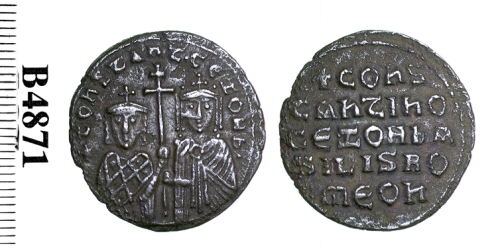 Bronze follis of Emperor Constantine VII with Empress Zoe, struck at Constantinople in 913-919, Barber Institute of Fine Arts B4871