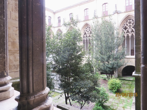 Cloister and garden of Sant Pere de Vic