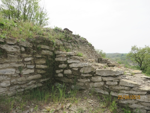 Junction of exterior wall and guard-tower at l'Esquerda, Roda de Ter