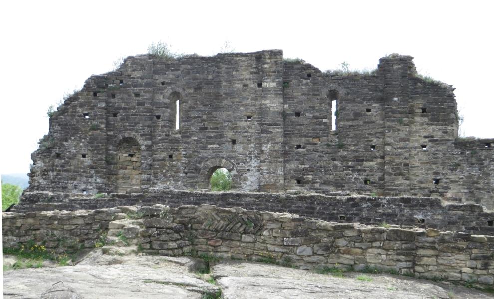 The ruins of Sant Pere de Roda de Ter