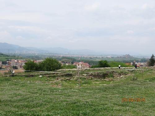 A square tower still unexcavated at l'Esquerda, Roda de Ter