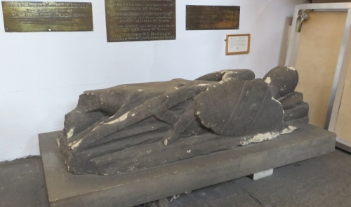 Tomb effigy of an unknown knight in St-Peter-at-Leeds, apparently dated c. 1330
