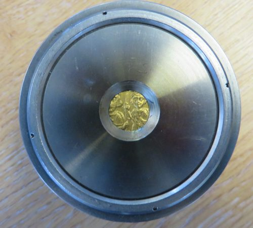 A gold solidus of Emperor Heraclius struck at Constantinople in 613-616, Barber Institute of Fine Arts B2762, in a WD-XRF sample cup