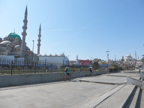 Mosques alongside Ragıp Güm¨şpala Road, Istanbul