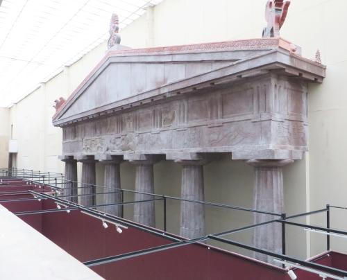 Columns and pediment from a Roman temple in the İstanbul Arkeoloji Müzeleri