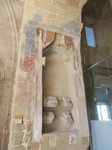 An emptied niche with still-visible polychrome in the cloister of the Seu Vella de Lleida