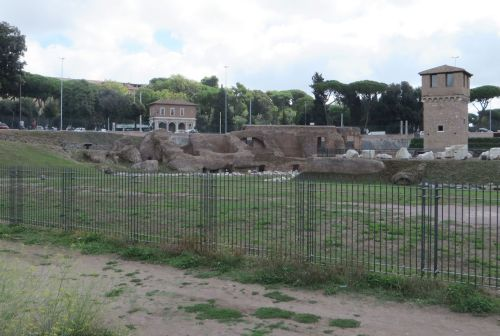Structures at the south-east end of the Circo Massimo