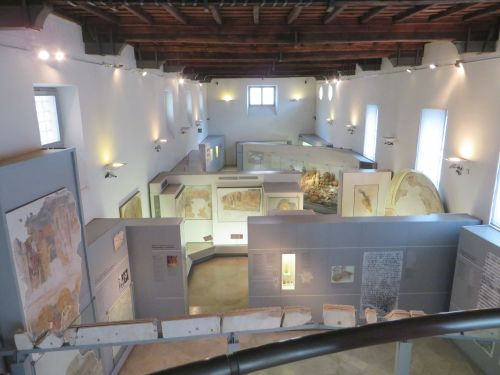 The main display space of the Museo Nazionale Romano Crypta Balbi